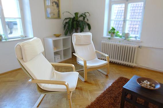 Sitzgelegenheiten in der Praxis von Laura Urban